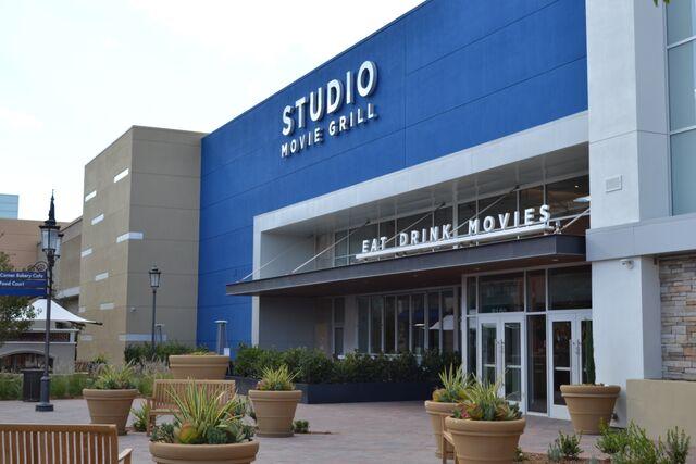 Studio Movie Grill – Simi Valley Town Center, CA